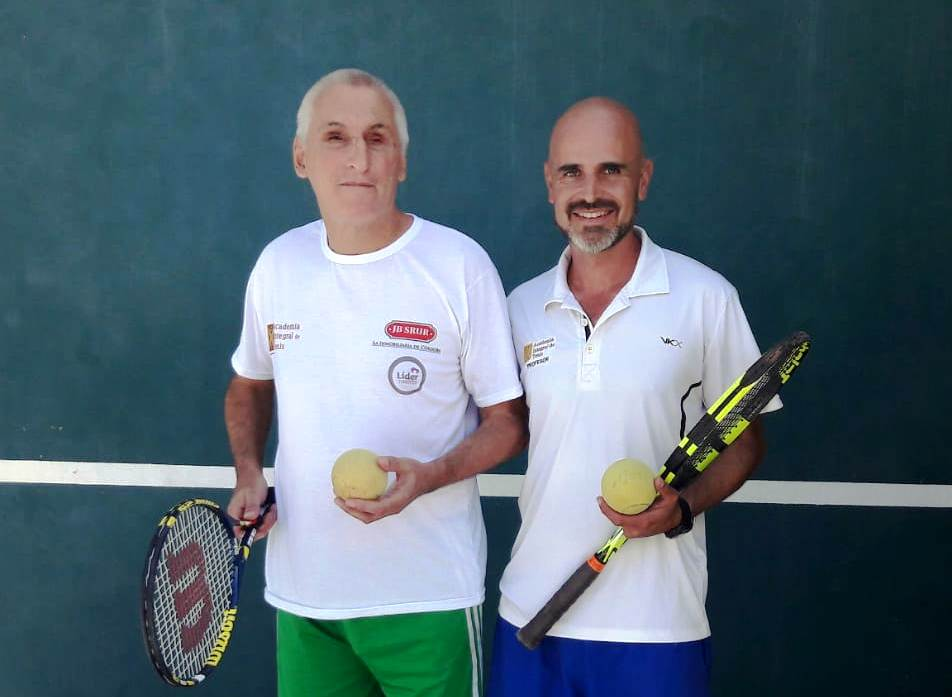 Jorge Planes junto a su entrenador Daniel Trejo.