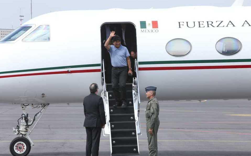 evo-morales-trasladado-mexico-avion_0_21_958_596